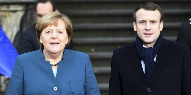 Fischi e urla sul rinsaldato asse franco tedesco. Proteste a