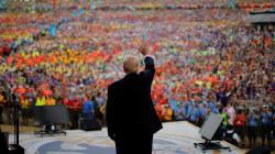 Scouts: Michael Moore qualifie le discours de Trump d'«abus d'enfants à grande
