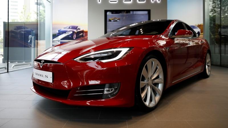 Tesla Regains Top Consumer Reports Rating on Auto-Braking Update