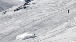 Terribile incidente a Sestriere, sciatore 30enne impatta contro una barriera e