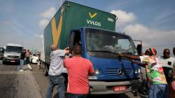 Apesar de promessa de trégua, caminhoneiros mantêm greve em 22 estados e Distrito