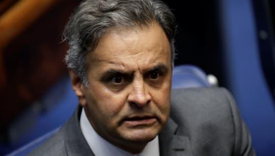 Isolado pelo PSDB, Aécio é criticado nas