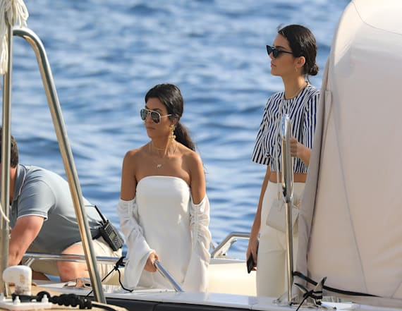 Kourtney and Kendall spotted with boyfriends