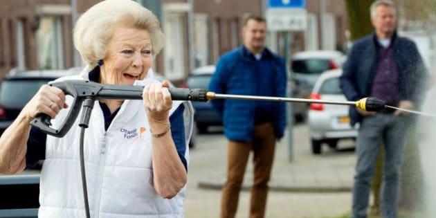 Beatrix des Pays-Bas et son karcher.