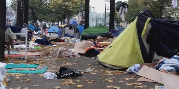 Un camp improvisé de réfugiés à Paris.
