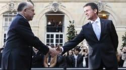 Revivez la passation de pouvoirs à Matignon entre Valls et