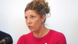 La députée libérale Jennifer Maccarone dénonce les compressions...