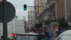 Herido un joven de 16 años tras caer de una azotea en la Gran Vía de Madrid e intentar agarrarse a las luces