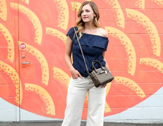 Street style tip of the day: Ruffle off the shoulder