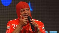 Il comico di Zelig che interpretava Oriano Ferrari ora dorme in un'auto: