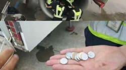 Tira le monete contro l'aereo per superstizione ma finiscono nel motore. Donna di 80 anni blocca il