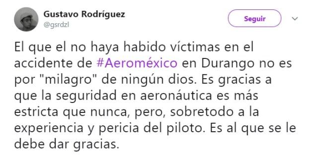 Cientos de usuarios manifestaron su admiración al piloto y sobrecargos por su extrordinario manejo de crisis.