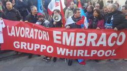 Sfilata di protesta a Sanremo, i lavoratori di Tim, Embraco Whirpool: