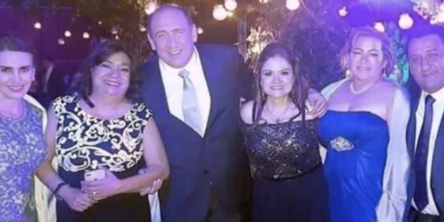 Rubén Moreira es captado en la boda de su sobrina en San Miguel de Allende, Guanajuato.