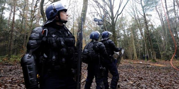 Notre-Dame-des-Landes: le gouvernement mobilise 1000 gendarmes etCRS pour l'abandon de l'aéroport