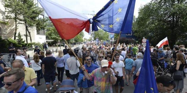Vogliono inquinare la democrazia europea, fermiamo Varsavia