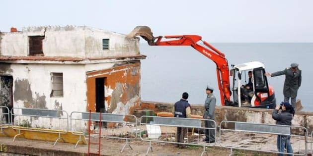 La demolizione degli abusi edilizi. Una questione di Stato