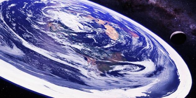 D'après une chercheuse, YouTube serait responsable de la propagation des théories complotistes avançant que la Terre est plate.