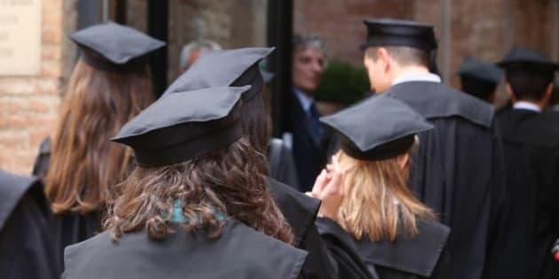 Pensioni, riscatto gratuito della laurea chiesto dagli universitari con la campagna #RiscattaLaurea