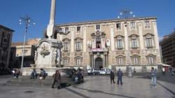 Catania è fallita. Molte passerelle politiche, ma nessun
