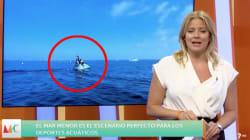Una reportera se cae de una moto de agua en pleno directo en