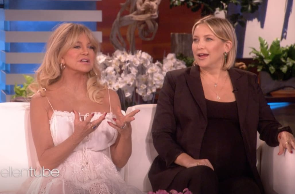 b9c9f0cf8d1f2 Goldie Hawn once gave pregnant Kate Hudson a bizarre delivery room gift