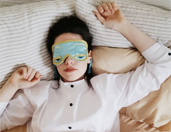 You can snooze like Audrey Hepburn in this sleep set