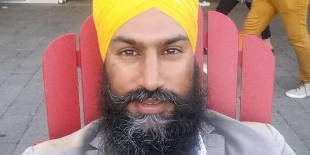 Présent sur Twitter et Snapchat, Jagmeet Singh possède un nombre d'abonnés conséquent. Le compte Instagram de ce célibataire qui vit à Toronto est rempli de clichés glamour où on le voit poser dans des costumes trois-pièces.