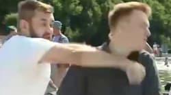 Un reporter russe reçoit un coup de poing en plein