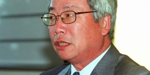 コマツの次期会長に内定し、記者会見した時の安崎暁氏(2001年5月7日撮影)