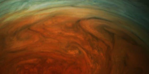 Les premières images de la Grande Tache rouge par Juno