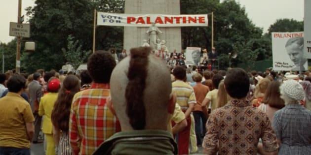 """Pour l'ouverture du 70e festival de Cannes, tout le HuffPost est illustré avec des films présentés sur la Croisette depuis 1946. Ici, l'image est tirée du film """"Taxi Driver"""", réalisé par Martin Scorsese. Il a été récompensé du prix de la Palme d'Or à Cannes en 1976."""