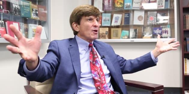 Allan Lichtman, le professeur qui avait prédit l'élection de Trump parie désormais sur sa destitution