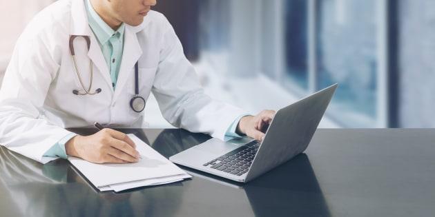 Ce glissement du médecin pour devenir un employé syndiqué de l'état semble aujourd'hui une tendance lourde et irréversible.