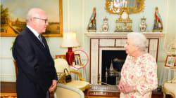 Questa immagine della Regina Elisabetta dimostra la sua gioia per l'unione fra Meghan e