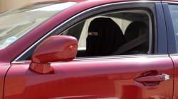 2017: Dice el rey de Arabia Saudí que las mujeres ya pueden