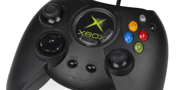 Avec La Xbox One X Microsoft Annonce Le Retour De Sa Manette Geante