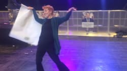 La danse de cette supportrice de Macron vaut le