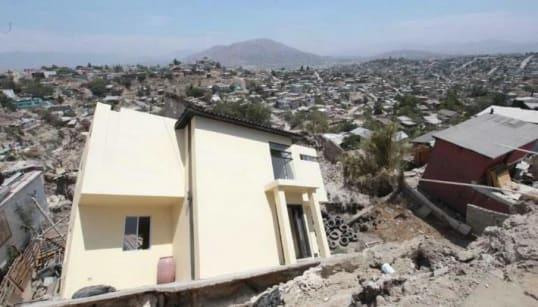 Ya son 63 personas afectadas por derrumbes en