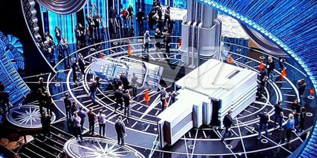 """Une partie du décor s'est effondrée sur la scène du Dolby Theater de Los Angeles qui a vu triompher """"La La Land"""" et """"Moonlight""""."""