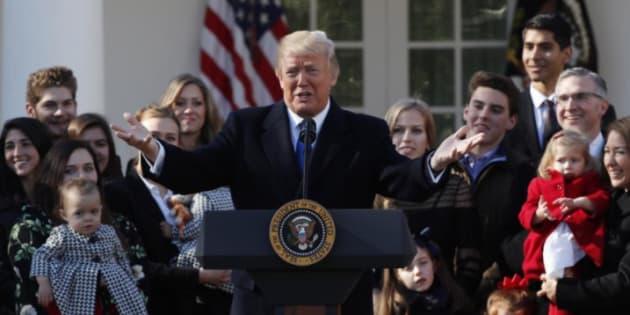 """Trump aux anti-avortement: """"Nous sommes avec vous, que Dieu vous bénisse""""."""