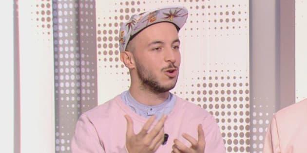 """Mehdi Meklat sur le plateau de l'émission """"28 minutes"""" sur Arte."""