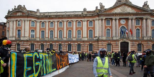 Gilets jaunes: le maire de Toulouse s'est infiltré parmi les casseurs  (Photo d'illustration prise à Toulouse, le samedi 12 janvier).