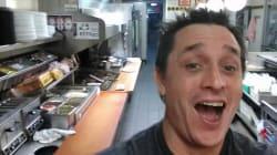 À 3h du matin, un Américain entre dans un restaurant et se cuisine un