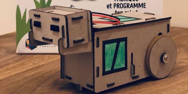 Achille promet d apprendre aux plus jeunes à programmer un robot sans  ordinateur. 924e68d526e