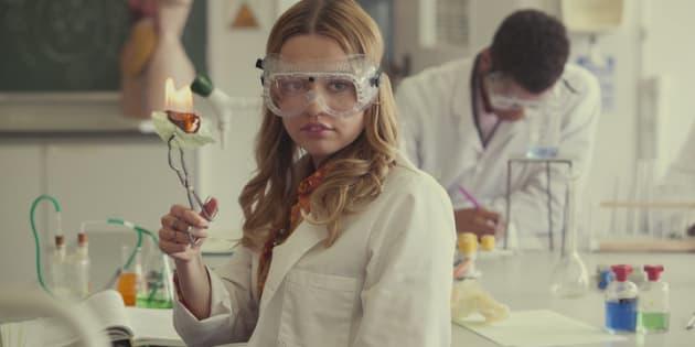 Aimee Lou Wood, qui tient le rôle d'Aimee Gibbs dans Sex Education.