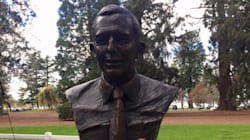 This Statue Of Tony Abbott Keeps Getting