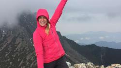 Dopo la scomparsa del marito, aveva ritrovato la pace scalando montagne. Un anno dopo è morta sulle Alpi, colpita da un
