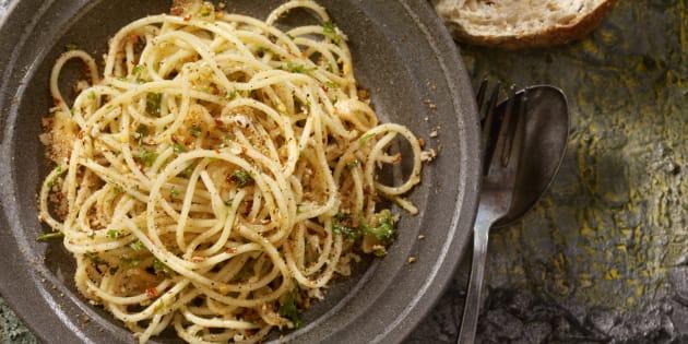 """Para o chef italiano Angelo Troiani, """"o erro mais típico e inaceitável é o ovo cru""""."""