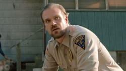 El teniente Hopper da pistas sobre los próximos homenajes de 'Stranger